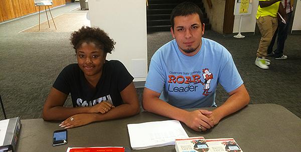 Msart Start Peer Mentors helping Freshmen